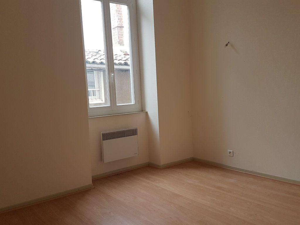 Appartement à louer 3 58.22m2 à Castres vignette-6