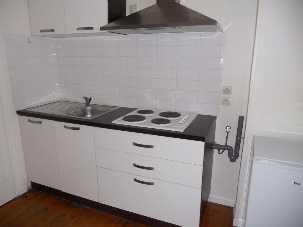 Appartement à louer 2 32m2 à Castres vignette-2