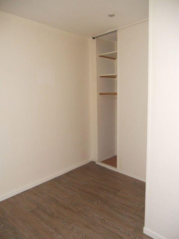 Appartement à louer 2 32m2 à Castres vignette-4