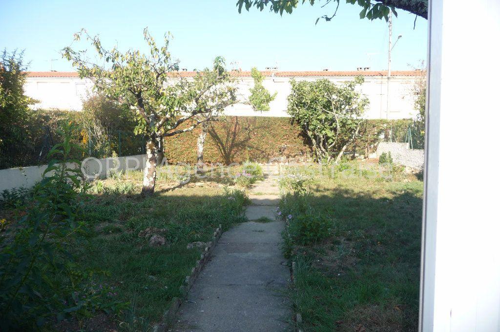 Maison à louer 5 121m2 à Castres vignette-12