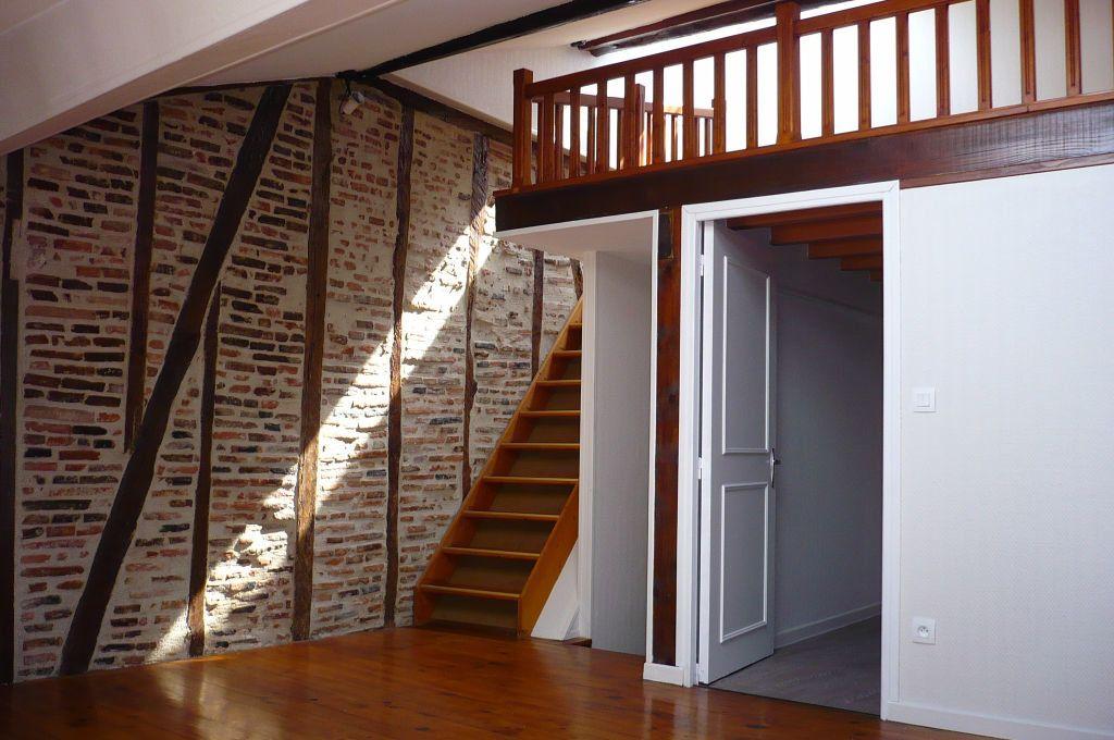 Appartement à louer 2 34m2 à Castres vignette-1