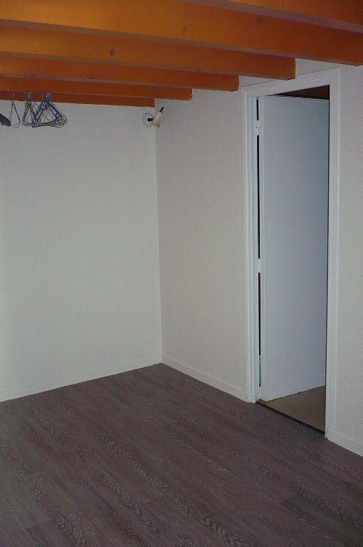 Appartement à louer 2 34m2 à Castres vignette-3