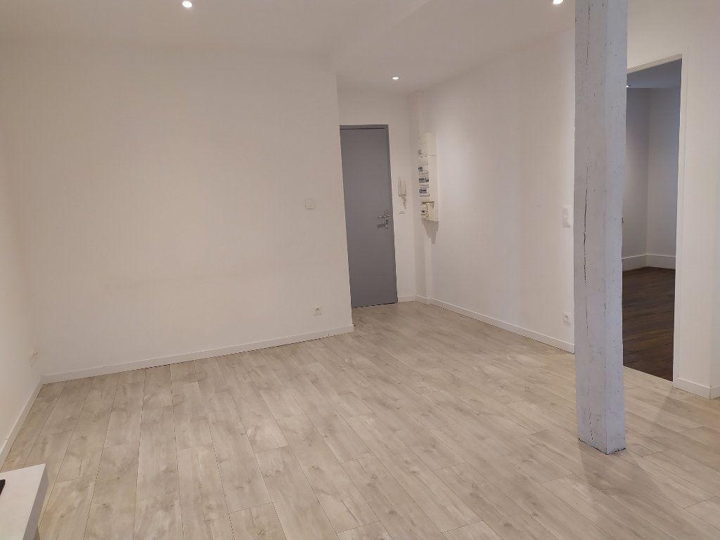 Appartement à louer 2 42m2 à Castres vignette-2