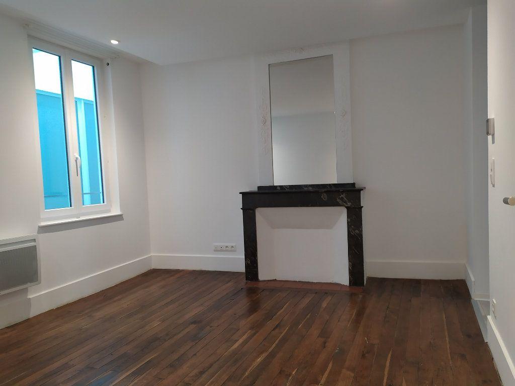Appartement à louer 2 42m2 à Castres vignette-3