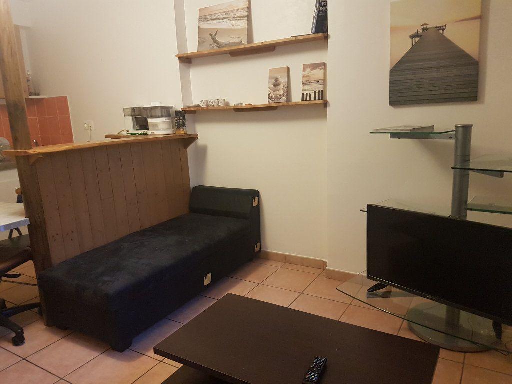 Appartement à louer 2 37m2 à Castres vignette-3