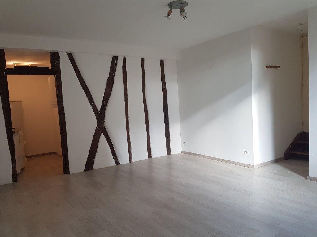 Appartement à louer 2 41m2 à Castres vignette-1