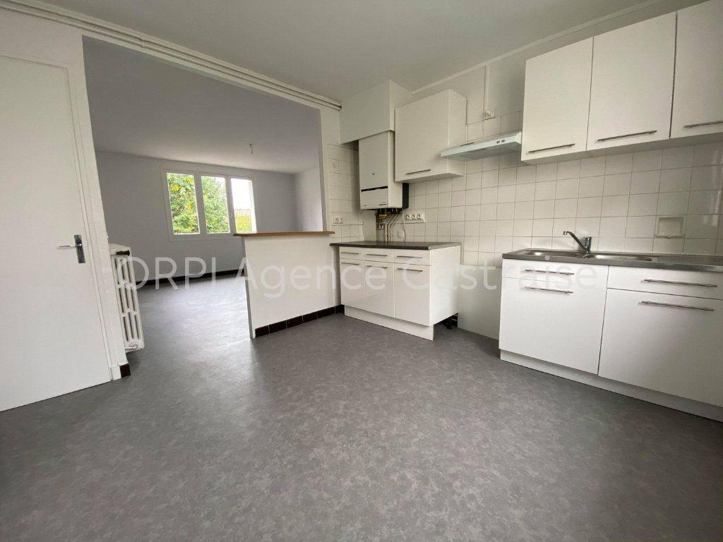 Appartement à louer 3 68.93m2 à Castres vignette-2