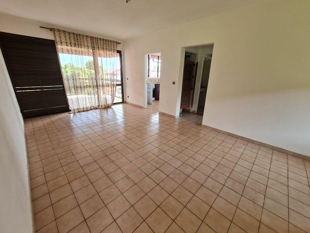 Appartement à louer 2 48.44m2 à Cayenne vignette-1