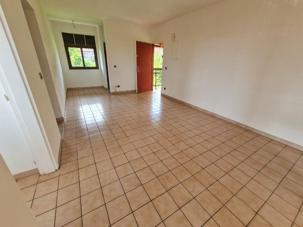 Appartement à louer 2 48.44m2 à Cayenne vignette-2