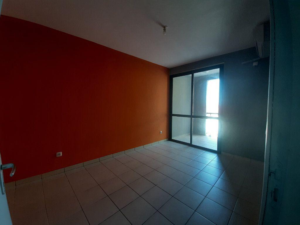 Appartement à louer 3 79m2 à Cayenne vignette-4