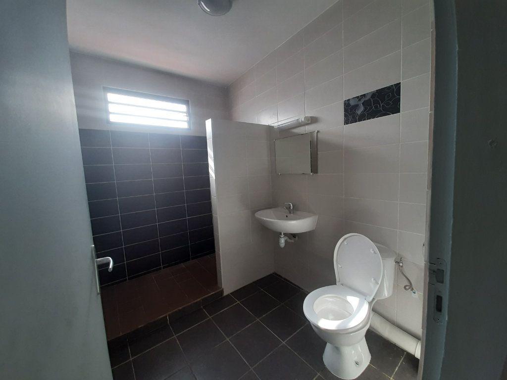 Appartement à louer 3 79m2 à Cayenne vignette-6