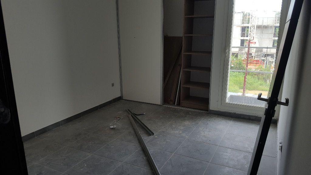 Appartement à louer 3 62.91m2 à Cayenne vignette-3