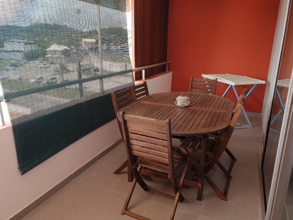 Appartement à louer 2 41m2 à Cayenne vignette-1