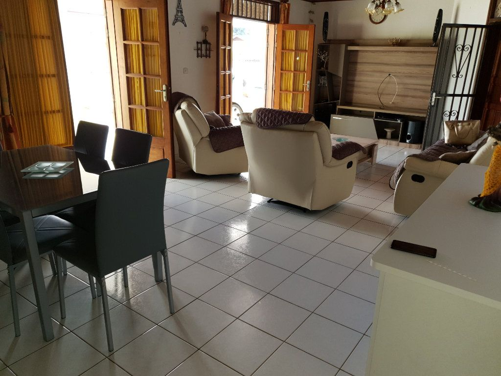Maison à louer 4 102.76m2 à Matoury vignette-3