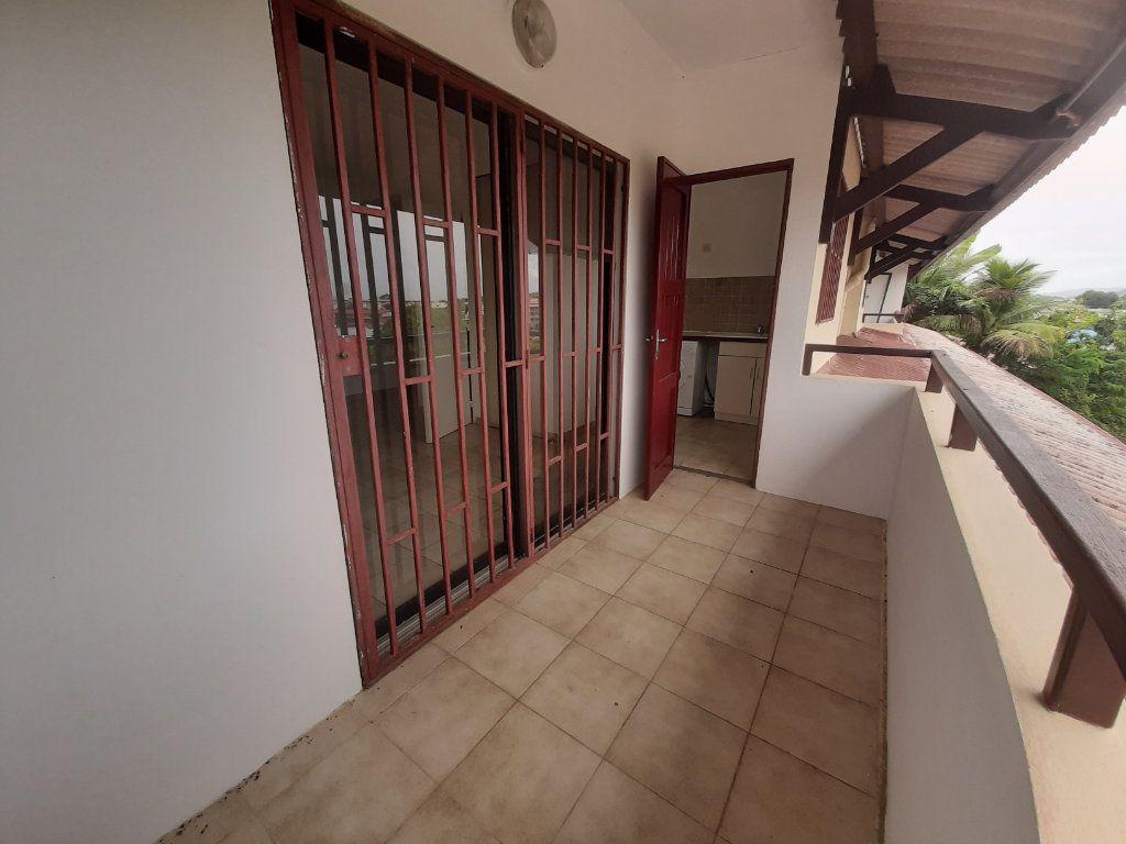 Appartement à louer 1 22.55m2 à Cayenne vignette-5