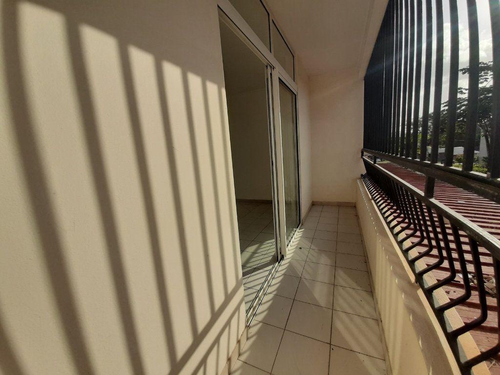 Appartement à louer 2 52.2m2 à Cayenne vignette-3