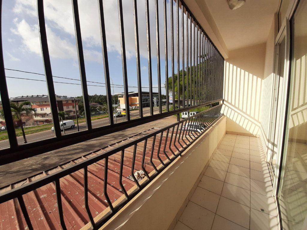 Appartement à louer 2 52.2m2 à Cayenne vignette-4