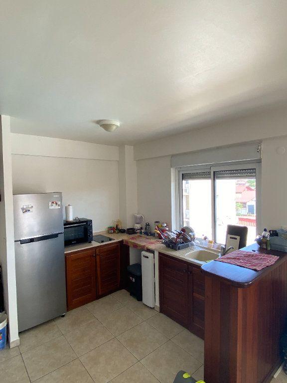 Appartement à louer 2 58.2m2 à Cayenne vignette-2