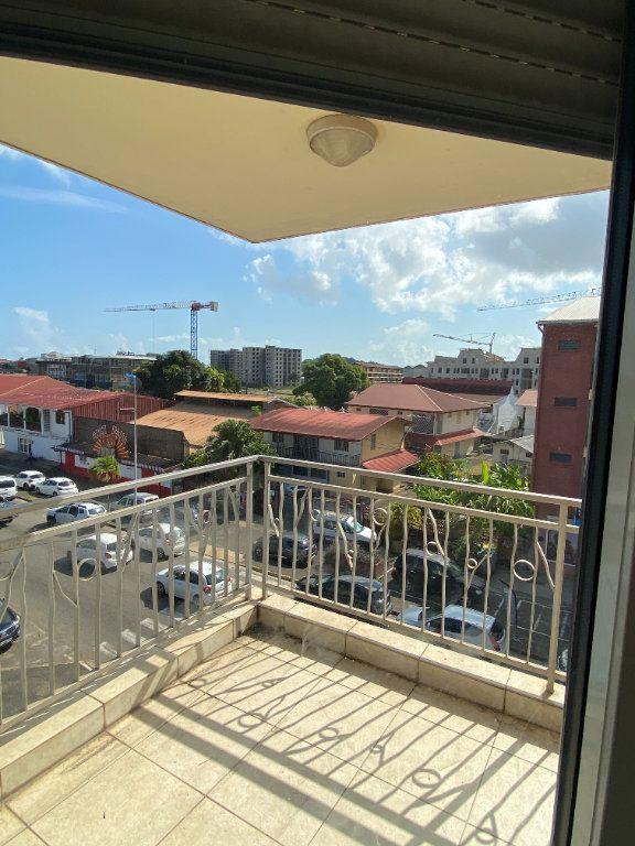 Appartement à louer 2 58.2m2 à Cayenne vignette-4