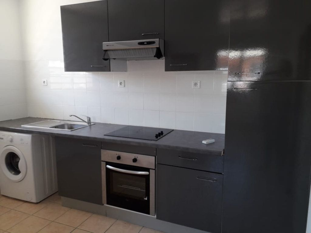 Appartement à louer 2 36.1m2 à Cayenne vignette-1
