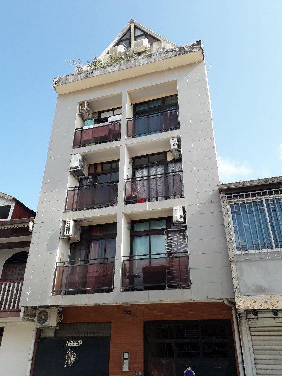 Appartement à louer 1 17.08m2 à Cayenne vignette-1