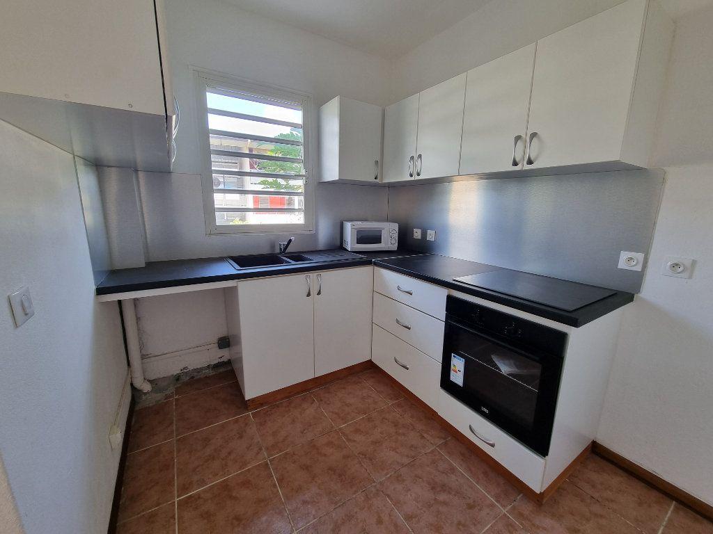 Appartement à vendre 5 125m2 à Remire-Montjoly vignette-2