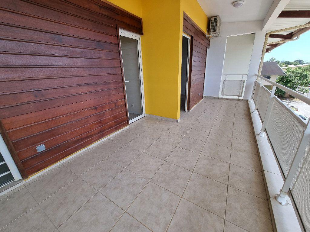 Appartement à vendre 5 125m2 à Remire-Montjoly vignette-3