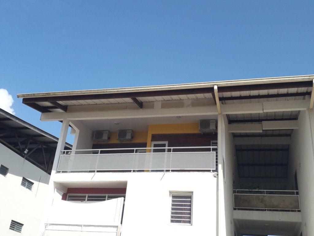 Appartement à vendre 5 125m2 à Remire-Montjoly vignette-9