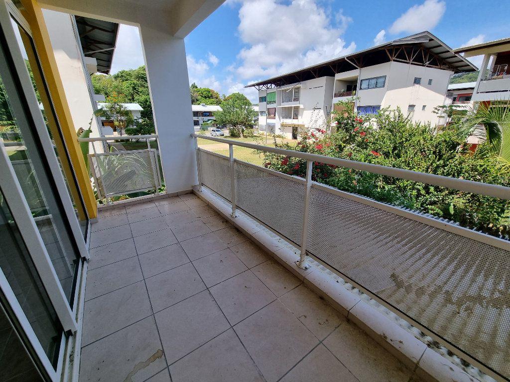 Appartement à vendre 5 125m2 à Remire-Montjoly vignette-10