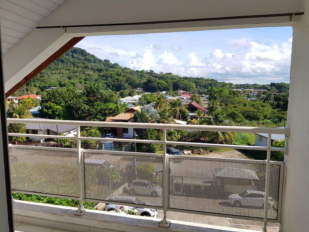 Appartement à vendre 3 68.82m2 à Remire-Montjoly vignette-4