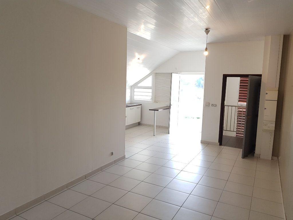 Appartement à vendre 3 68.82m2 à Remire-Montjoly vignette-5