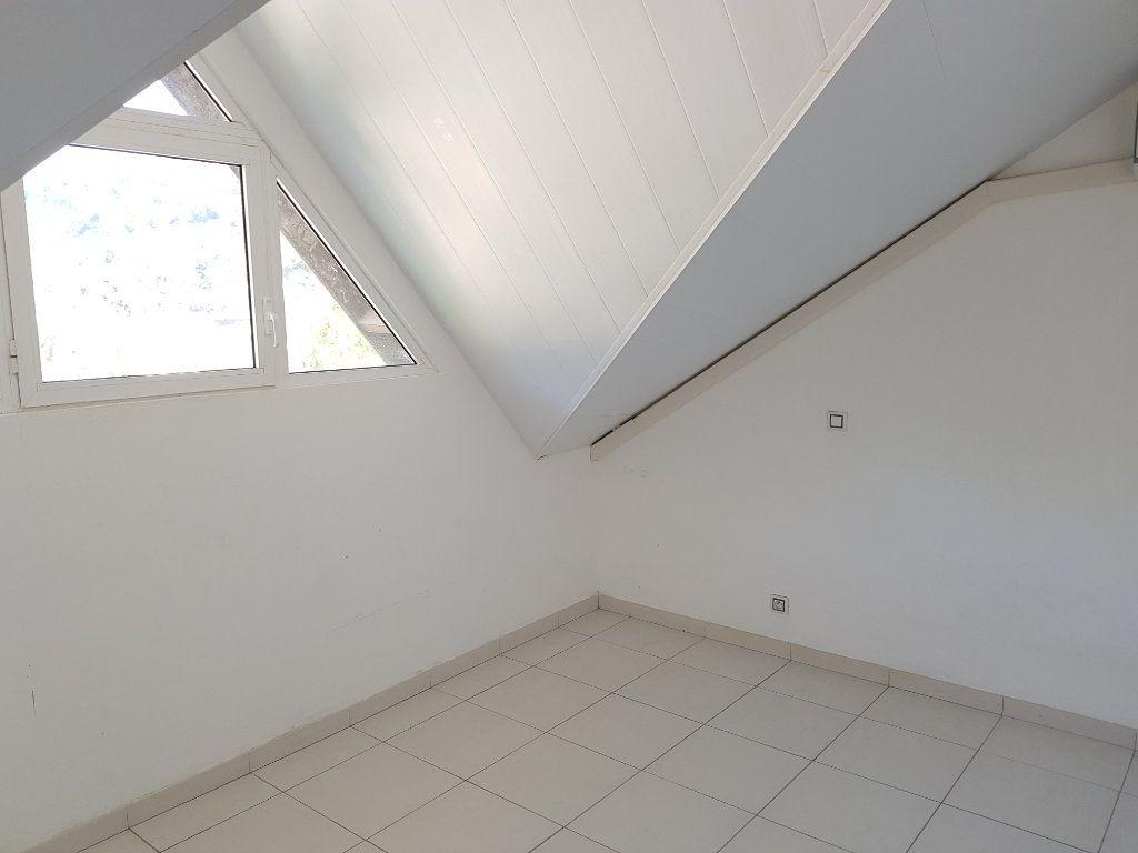 Appartement à vendre 3 68.82m2 à Remire-Montjoly vignette-6