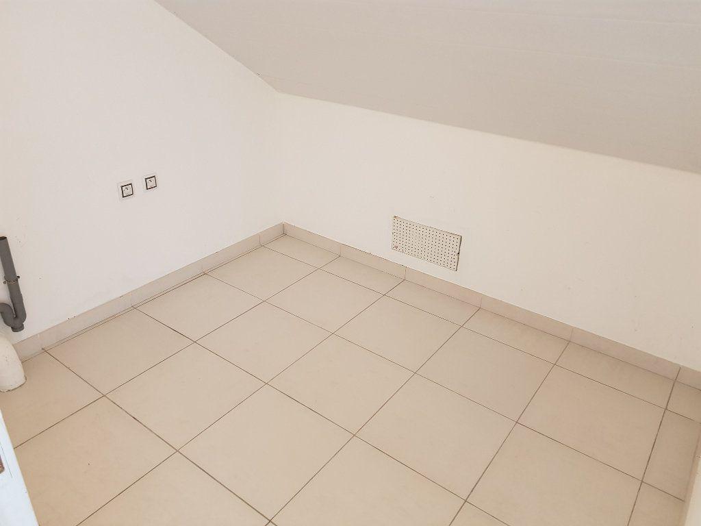 Appartement à vendre 3 68.82m2 à Remire-Montjoly vignette-7