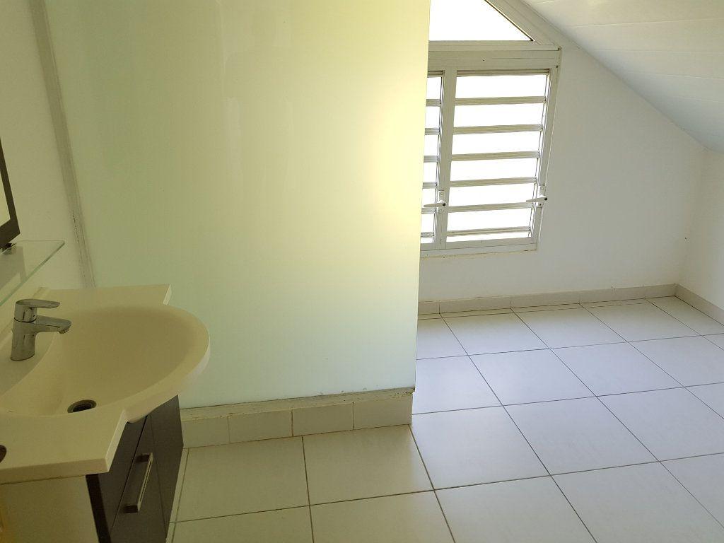Appartement à vendre 3 68.82m2 à Remire-Montjoly vignette-8