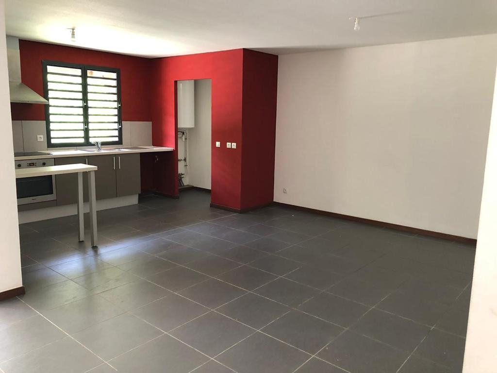 Appartement à vendre 3 85m2 à Cayenne vignette-1