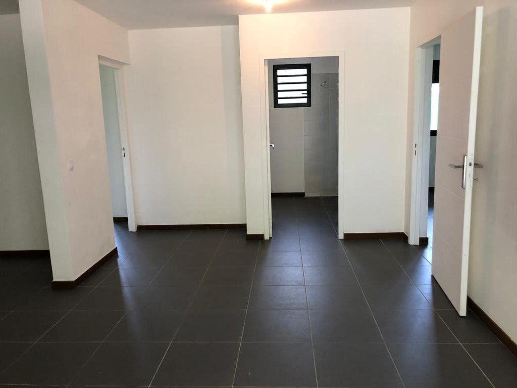Appartement à vendre 3 85m2 à Cayenne vignette-4