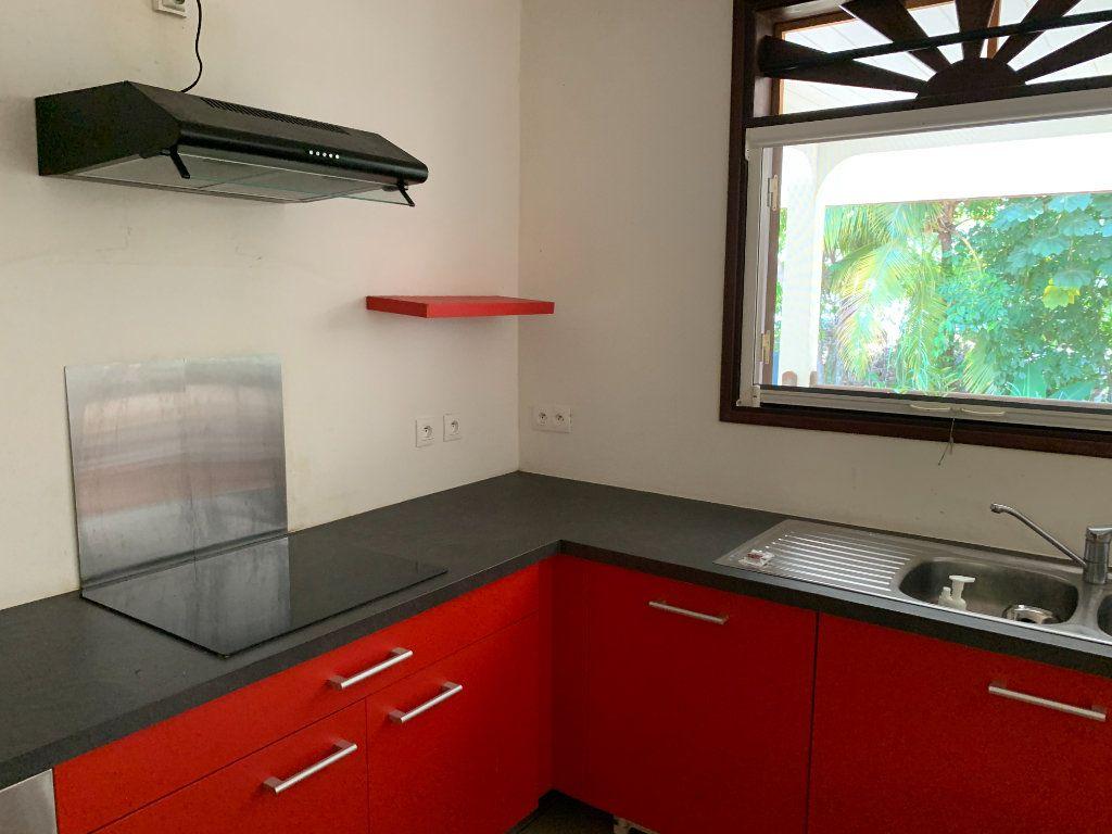 Maison à vendre 4 124m2 à Remire-Montjoly vignette-6