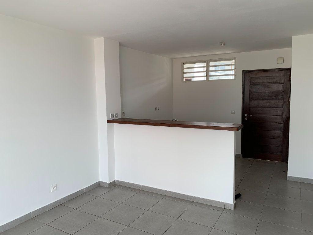 Appartement à vendre 2 51.65m2 à Cayenne vignette-2