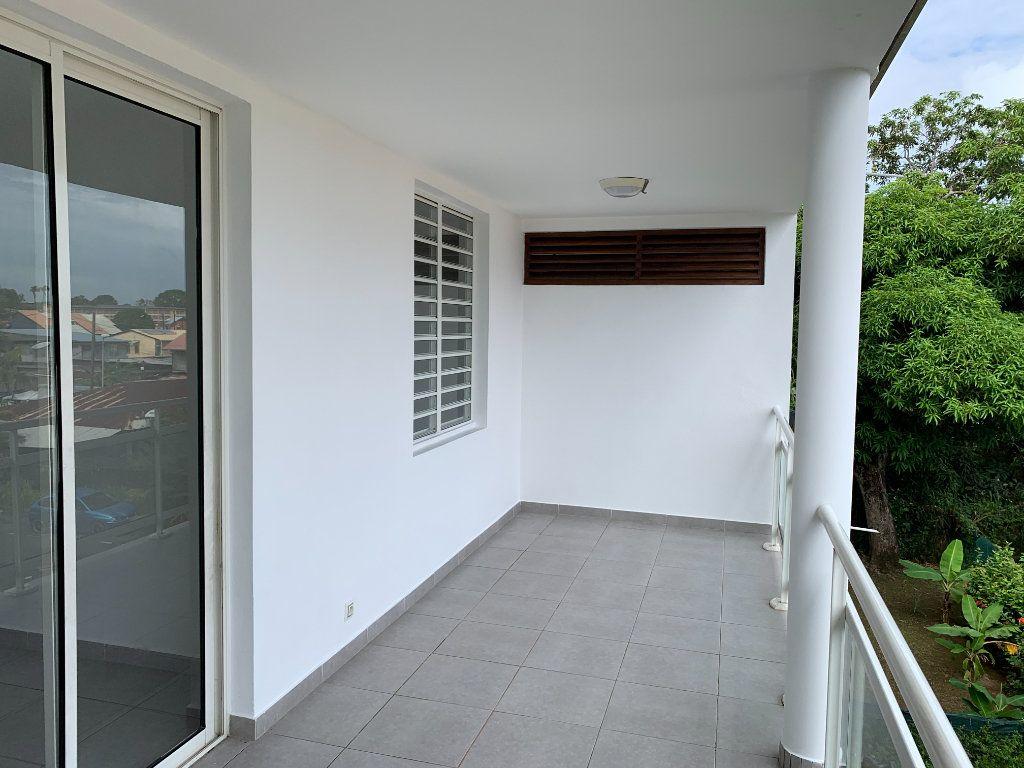 Appartement à vendre 2 51.65m2 à Cayenne vignette-3