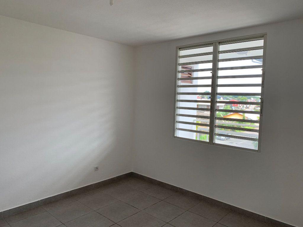 Appartement à vendre 2 51.65m2 à Cayenne vignette-4