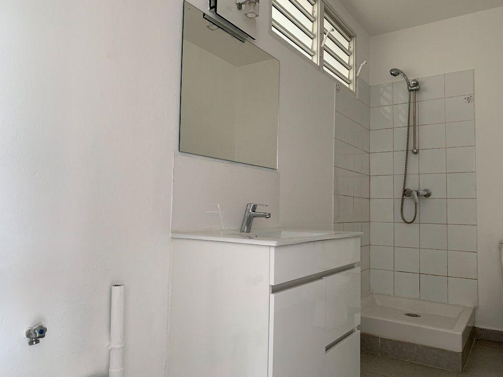 Appartement à vendre 2 51.65m2 à Cayenne vignette-5