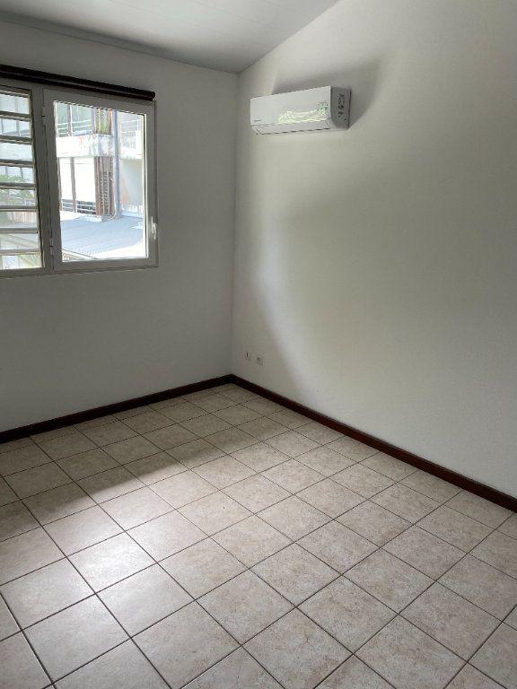 Maison à louer 3 74.35m2 à Cayenne vignette-3