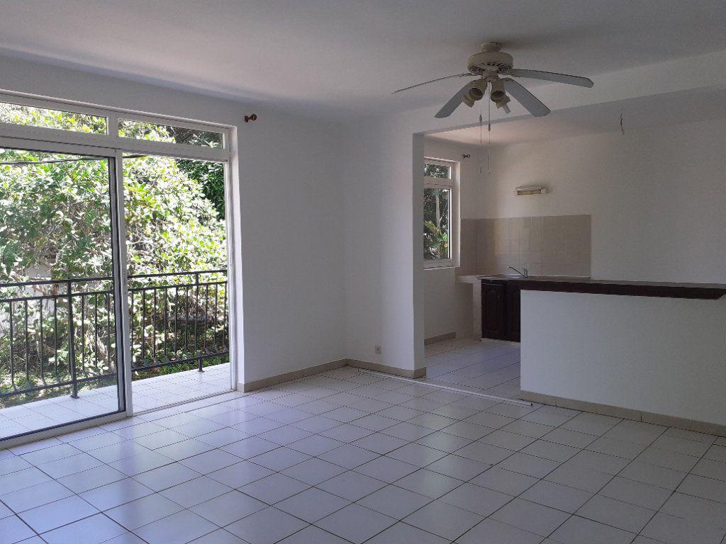 Appartement à louer 3 81.14m2 à Cayenne vignette-1
