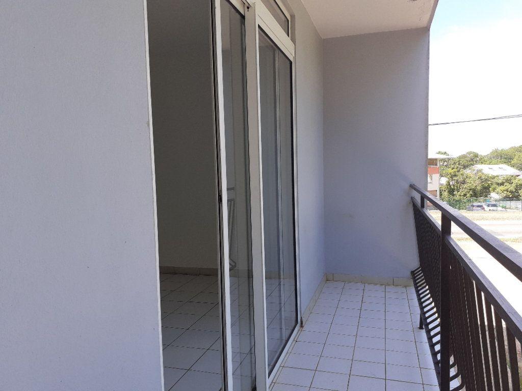 Appartement à louer 3 81.14m2 à Cayenne vignette-7