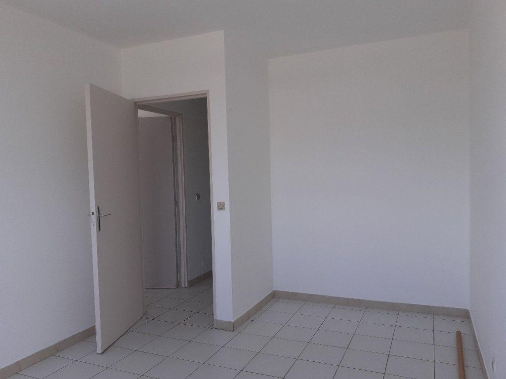 Appartement à louer 3 81.14m2 à Cayenne vignette-9