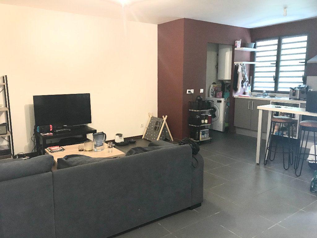 Appartement à vendre 3 75.47m2 à Cayenne vignette-1