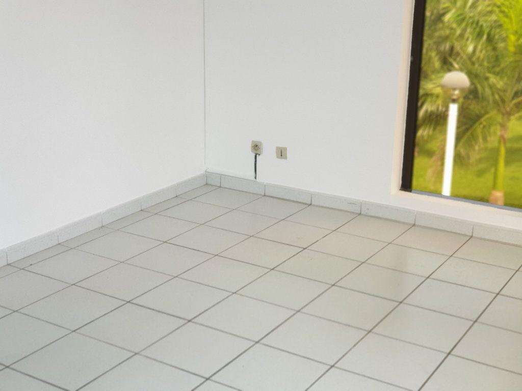 Appartement à louer 3 73.05m2 à Macouria vignette-3