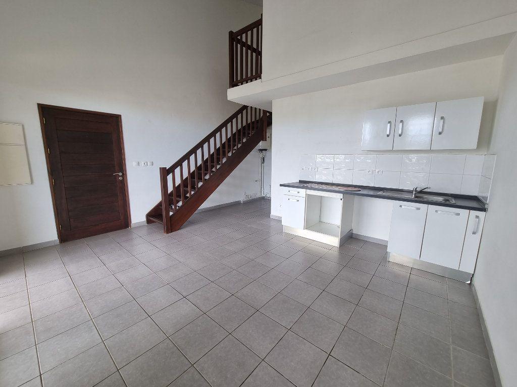 Appartement à vendre 3 70.25m2 à Remire-Montjoly vignette-2