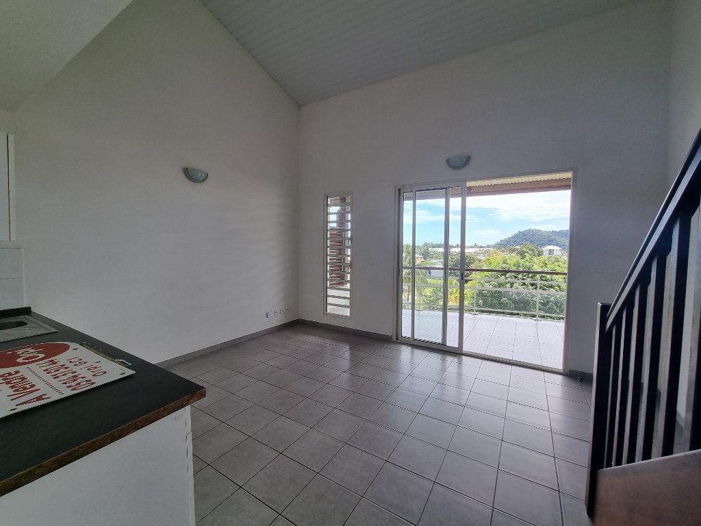 Appartement à vendre 3 70.25m2 à Remire-Montjoly vignette-3