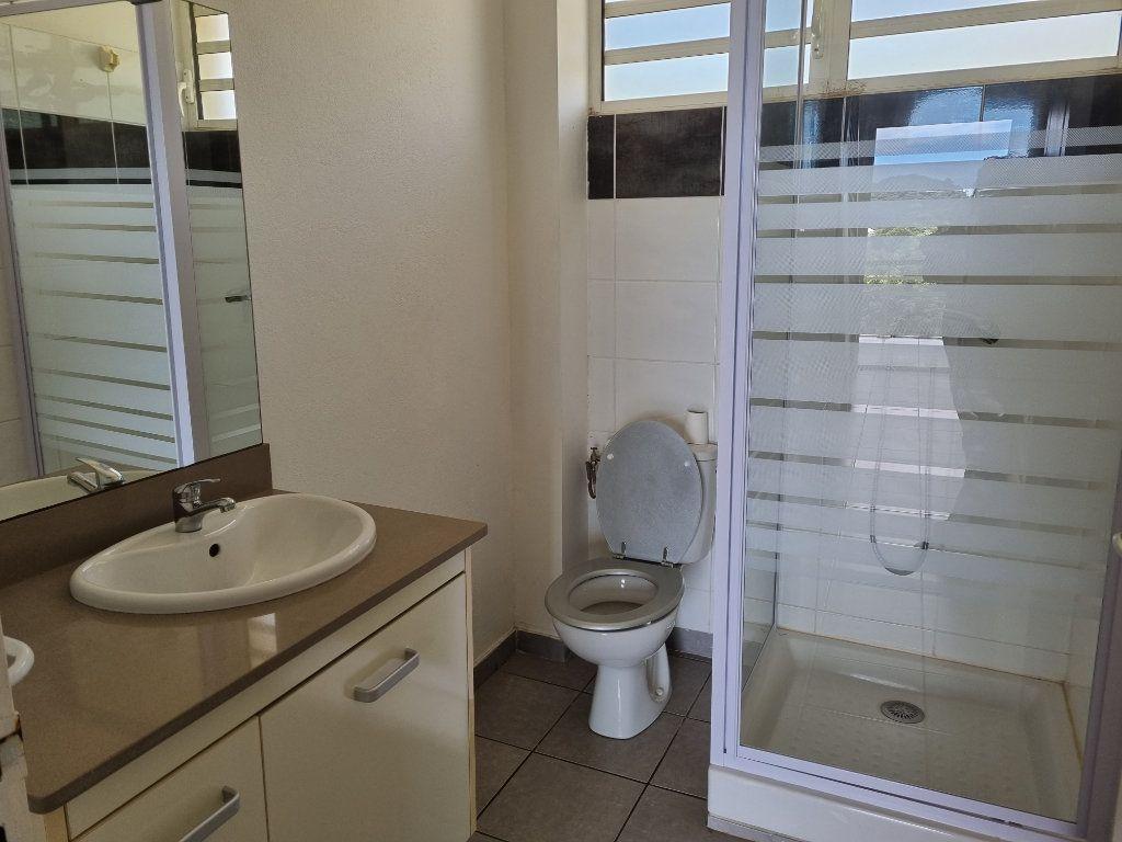Appartement à vendre 3 70.25m2 à Remire-Montjoly vignette-8